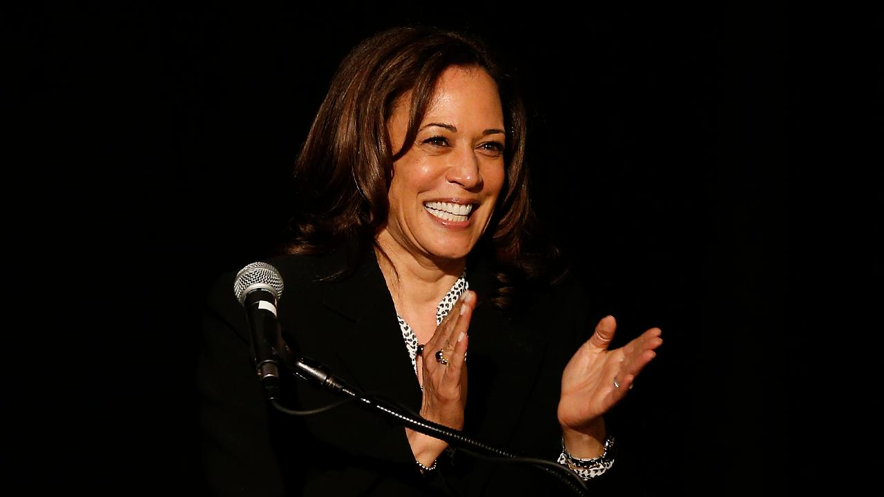 Kamala Harris calls for teacher pay raise