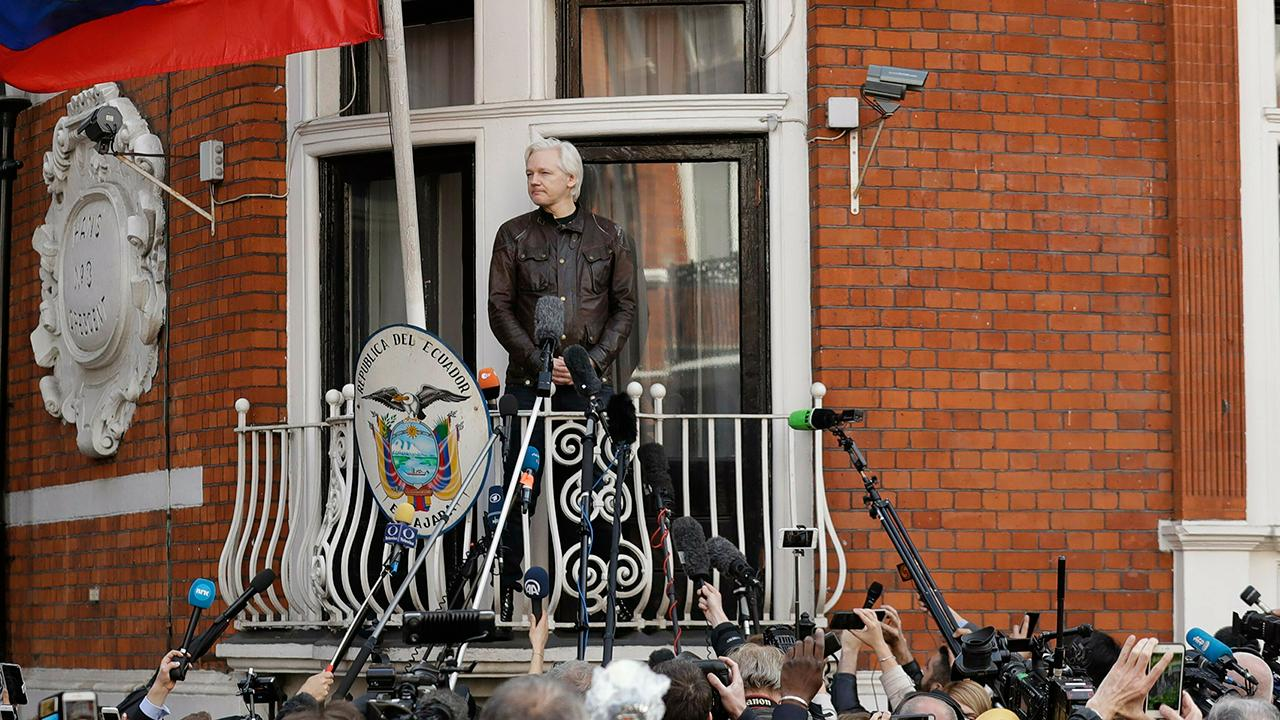 Experts split on how smoothly Assange extradition process could go