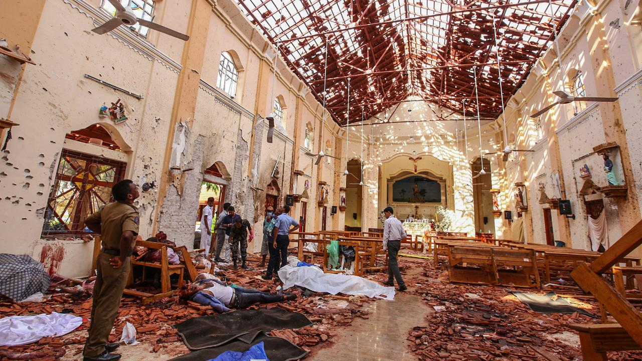 15 people killed during raid by Sri Lankan police at suspected terrorist hideout