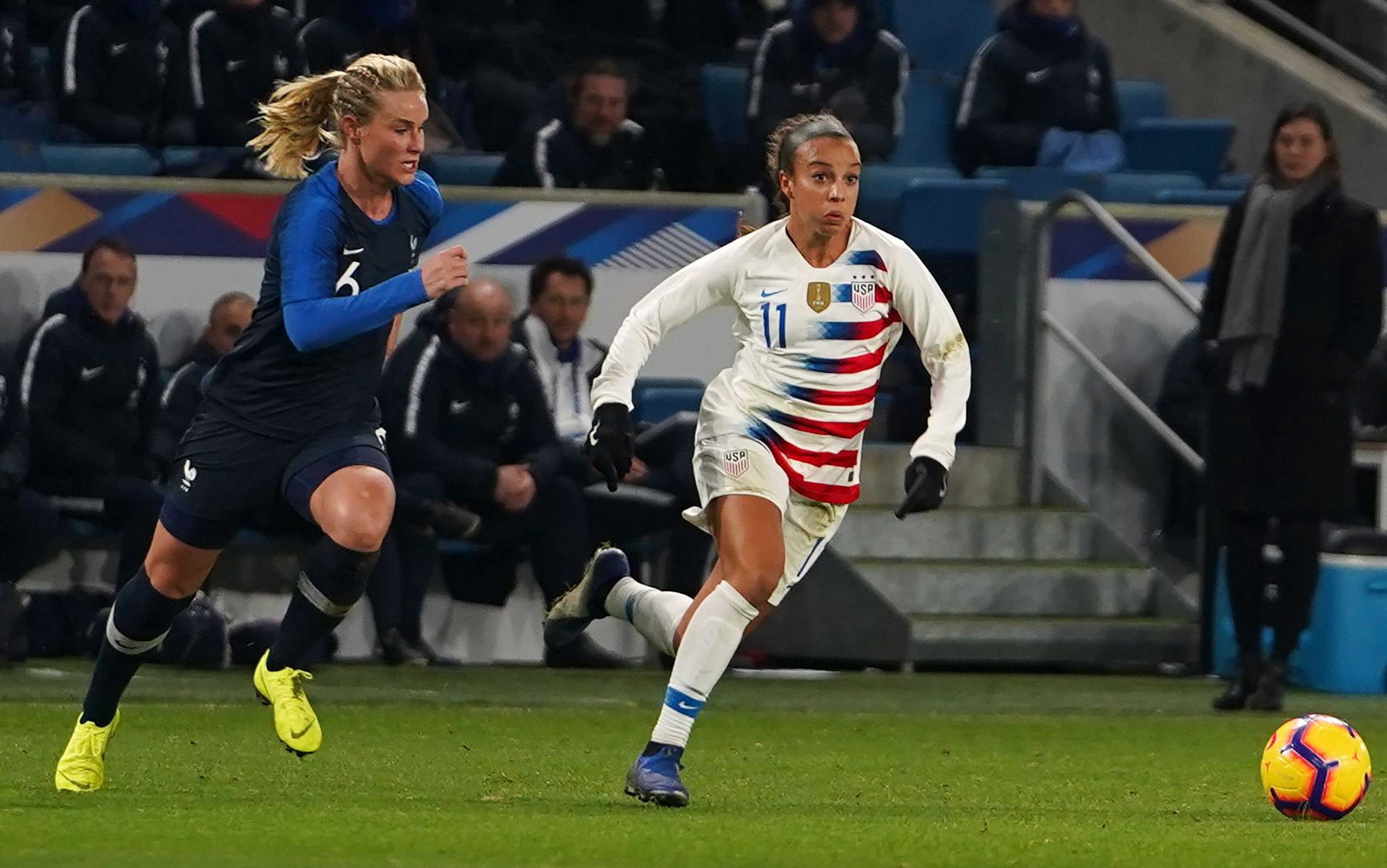 Amandine Henry (6) and France will chase the country's first Women's World Cup title, a victory that would make France the re