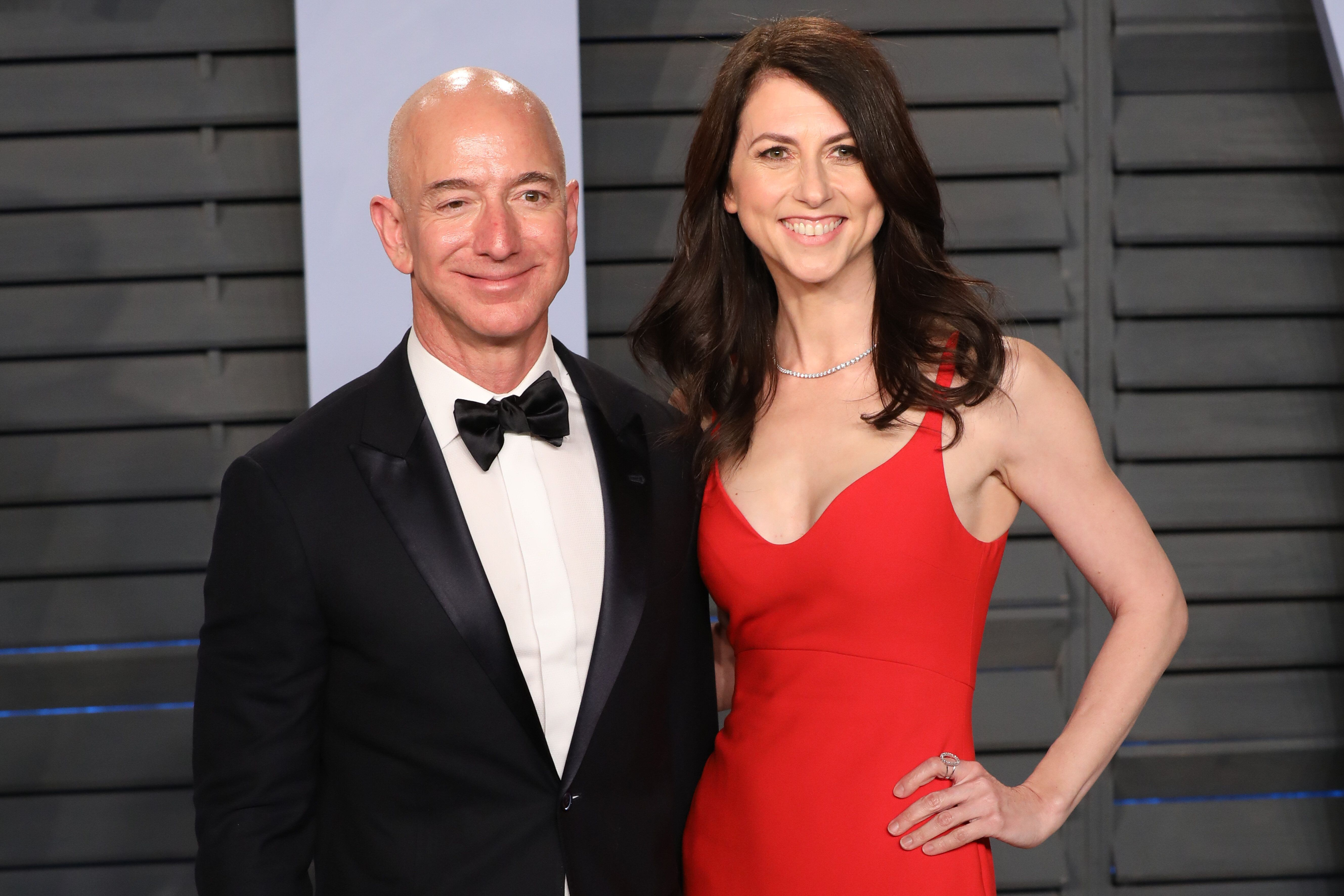 Jeff Bezos and MacKenzie Bezos attend the 2018 Vanity Fair Oscar Party hosted by Radhika Jones at Wallis Annenberg Center for