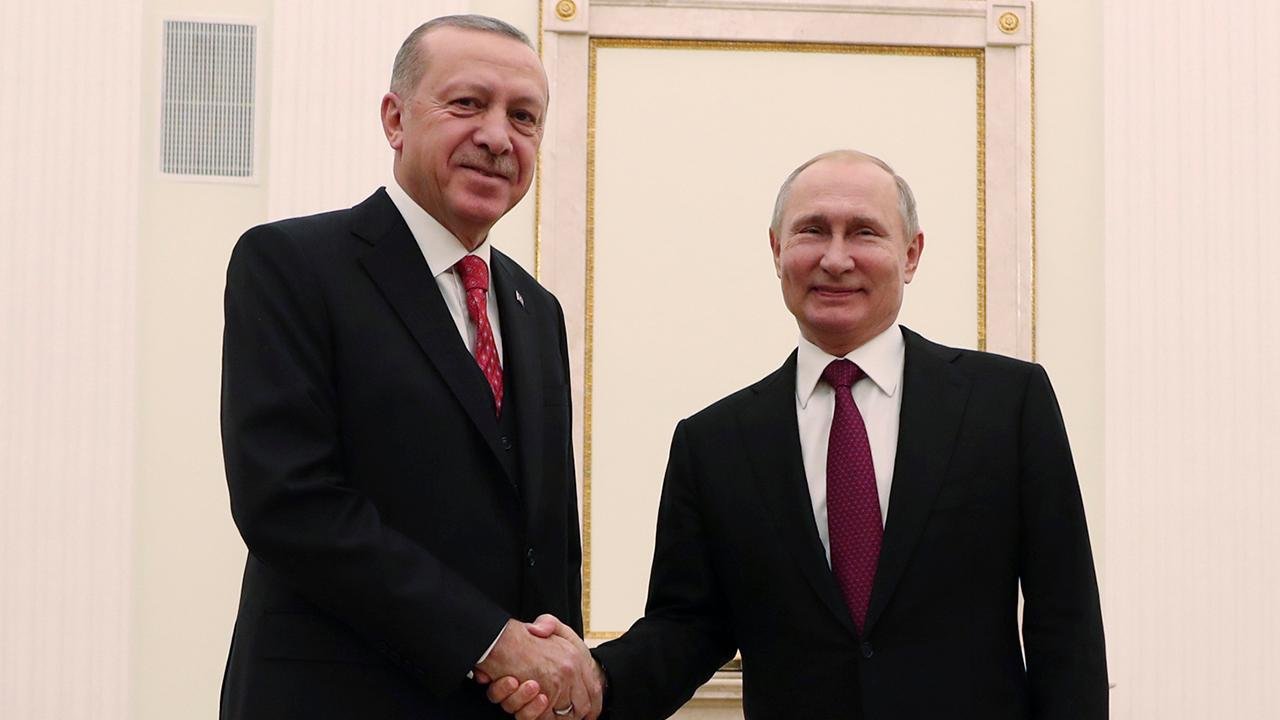 Putin, Erdogan meet in Moscow to discuss future of Syria amid US troop withdrawal