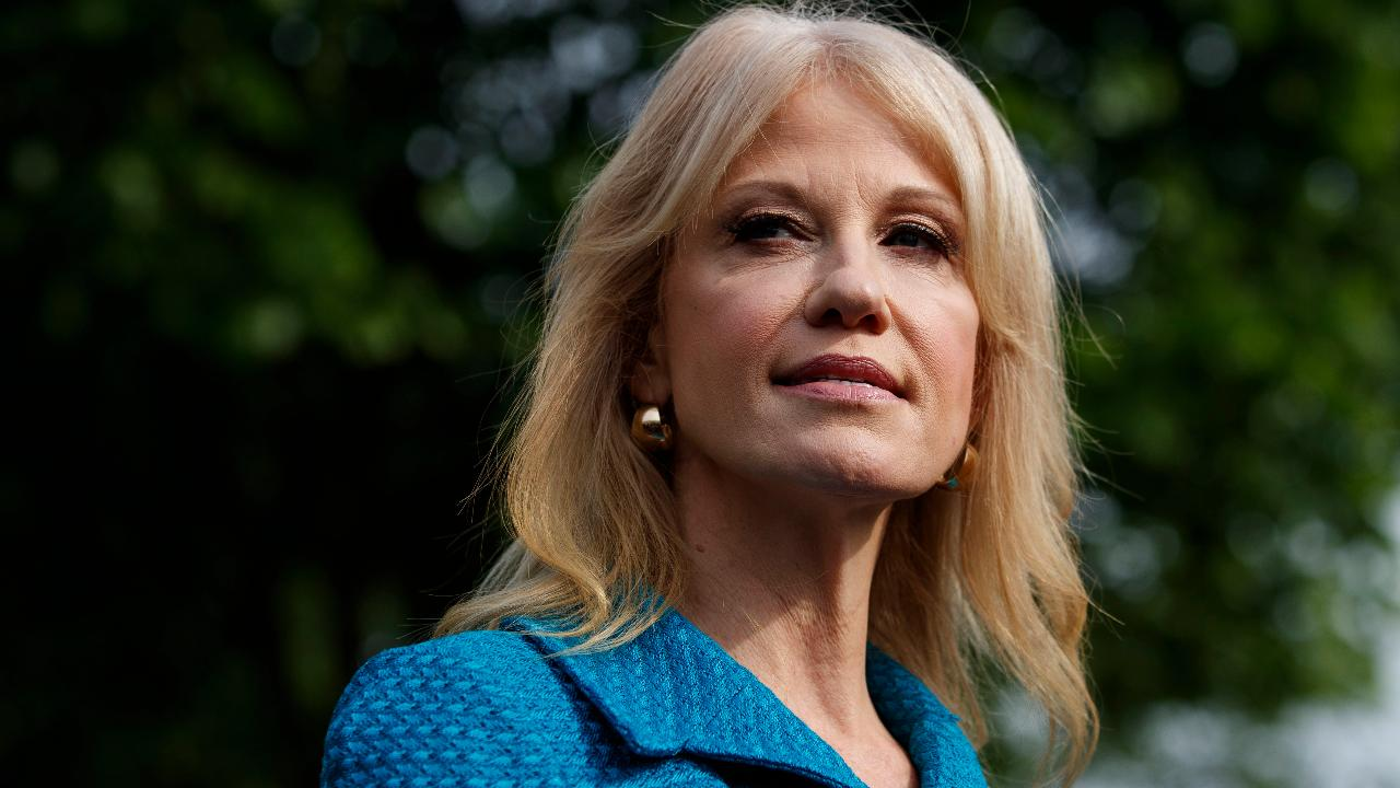 Trump defends Kellyanne Conway after a recommendation to remove her from office