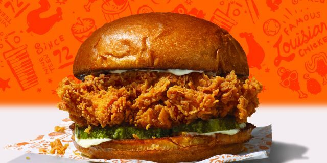 An image of Popeyes' new chicken sandwich.