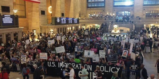 Protesters and counter-protesters clash on President Trump's immigration policies in the main concourse of Grand Central Terminal in New York City, Aug. 29, 2019. (Danielle Wallace/Fox News)