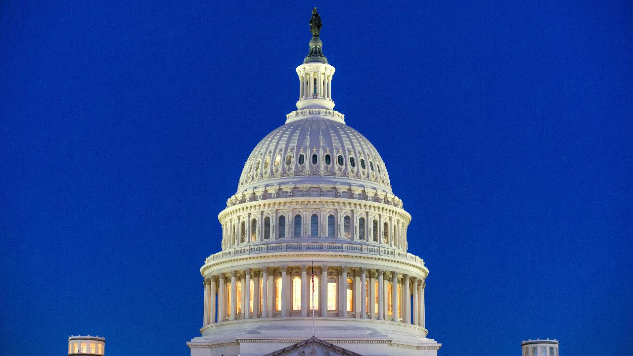 Bipartisan 'red flag' laws gain traction in Congress