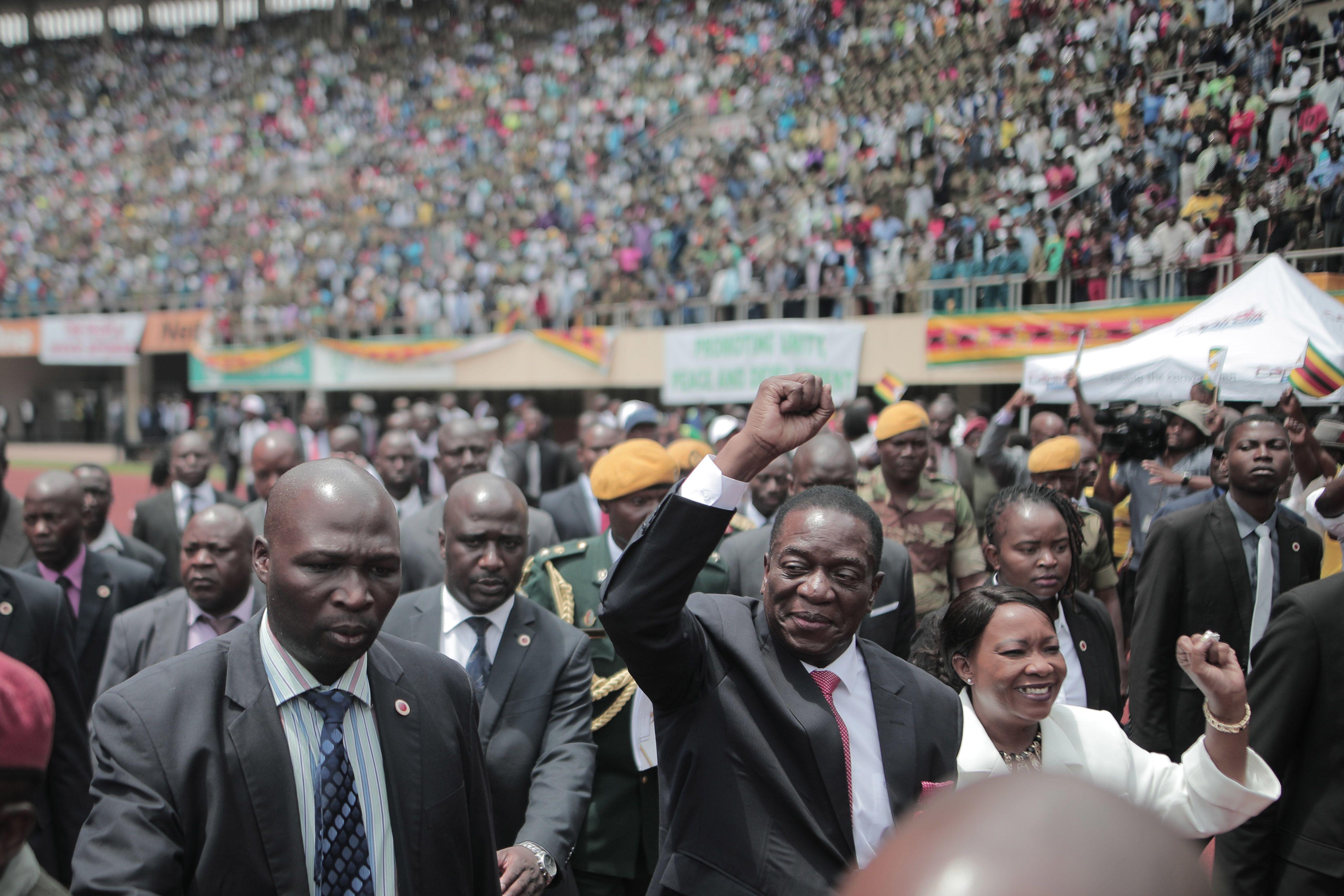 President EmmersonMnangagwa greets Zimbabweans during his inauguration ceremony on Nov. 24, 2017.