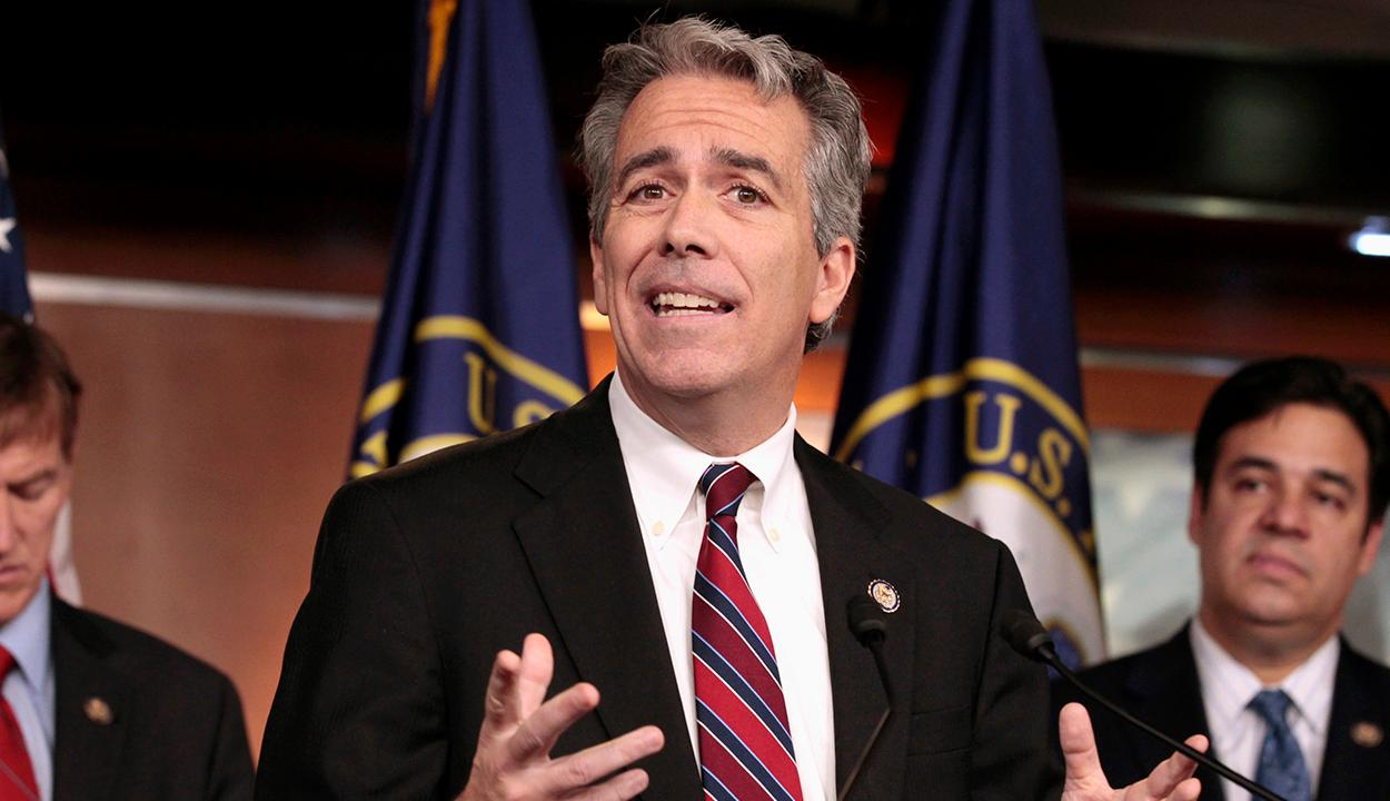 Former Rep. Joe Walsh enters race as Trump challenger