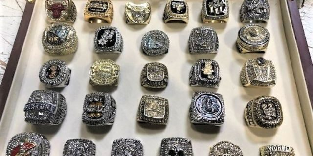 U.S. Customs and Border Protectionofficers in California recently seized more than two dozen counterfeit NBA championship rings, with an estimated retail value ofmore than half a million dollars, authorities said Wednesday.