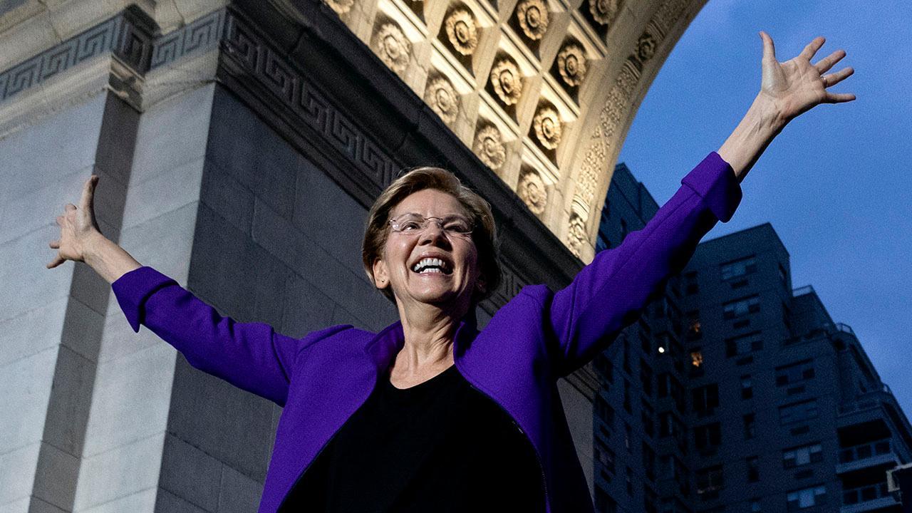 Elizabeth Warren downplays lead in Iowa poll