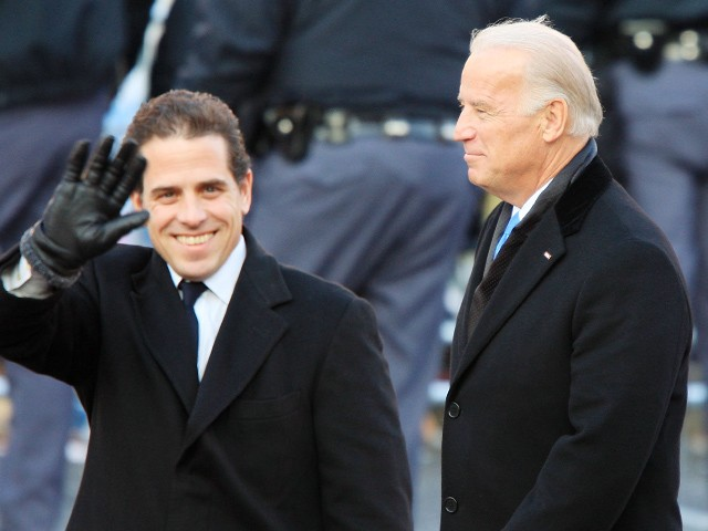 WASHINGTON, D.C. - JANUARY 20: Vice-President Joe Biden and sons Hunter Biden (L) and Beau Biden walk in the Inaugural Parade January 20, 2009 in Washington, DC. Barack Obama was sworn in as the 44th President of the United States, becoming the first African-American to be elected President of the US. (Photo by David McNew/Getty Images)