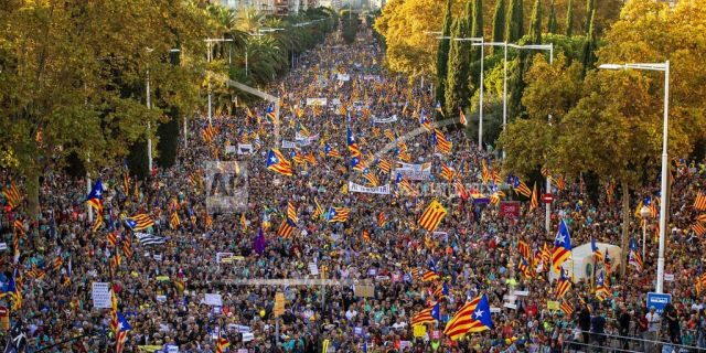 Catalan pro-independence protesters march during a demonstration in Barcelona, Spain, Saturday, Oct. 26, 2019.(AP Photo/Emilio Morenatti)