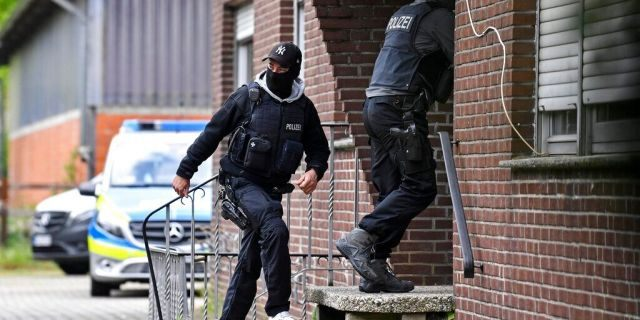 Special police investigates the Hezbollah linked Imam Mahdi center in Muenster, western Germany, Thursday, April 30, 2020.