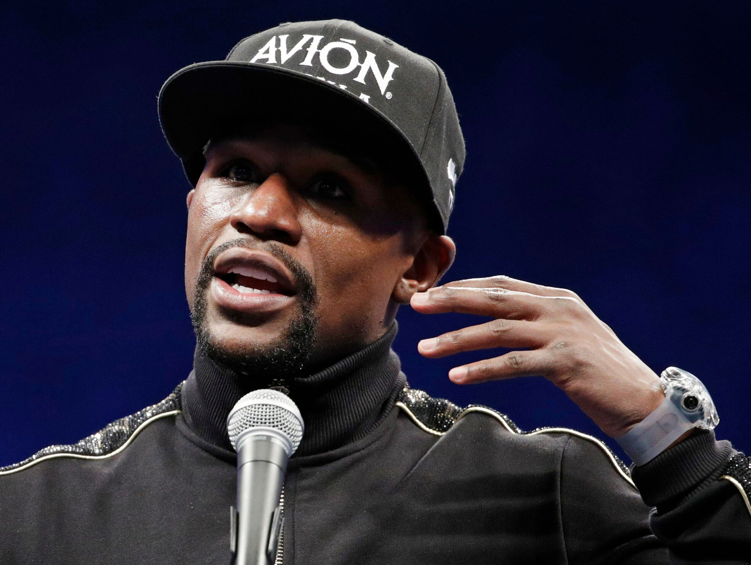 Floyd Mayweather Jr., seen in 2017,has offered to pay for Floyd'sfuneral and memorial services.