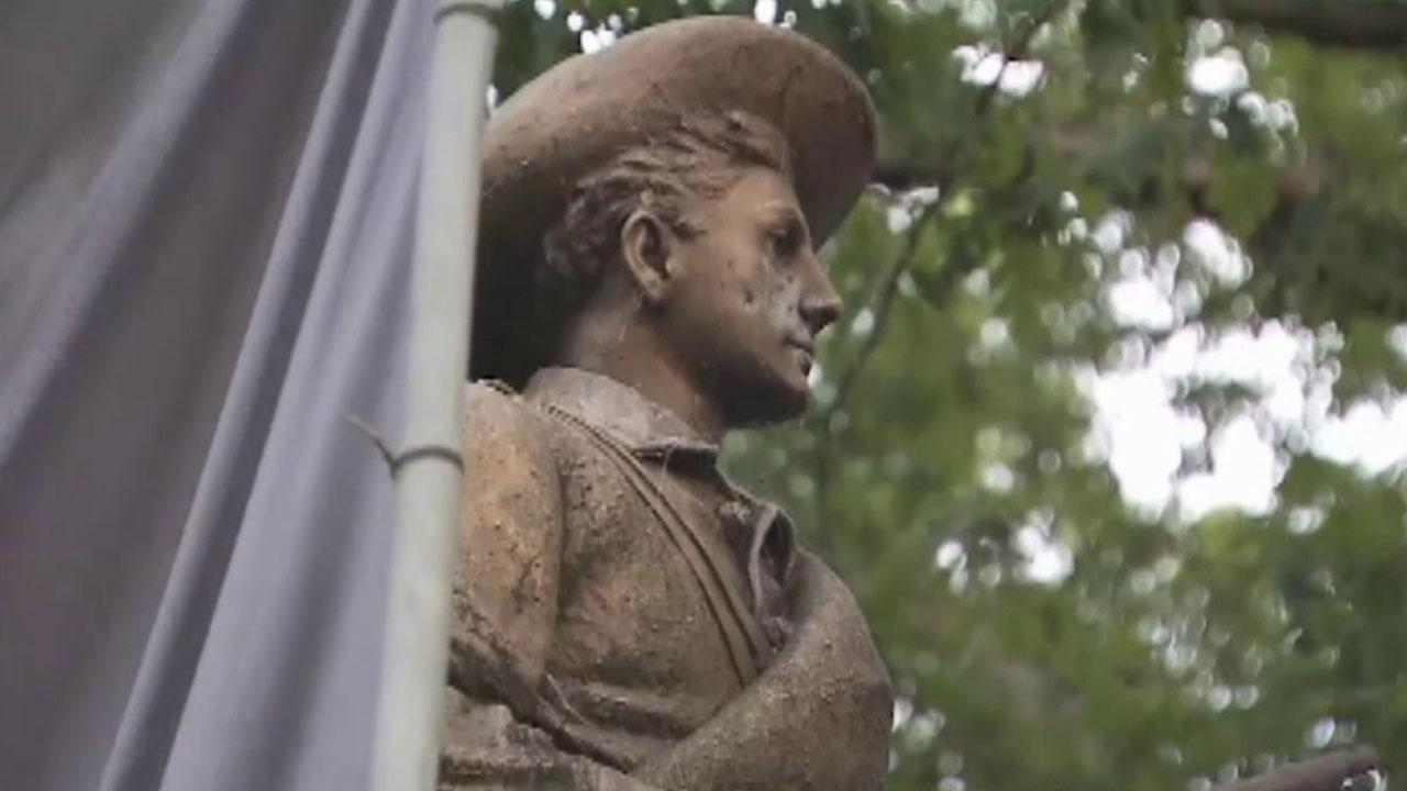 Protesters pull down Confederate statue at UNC-Chapel Hill