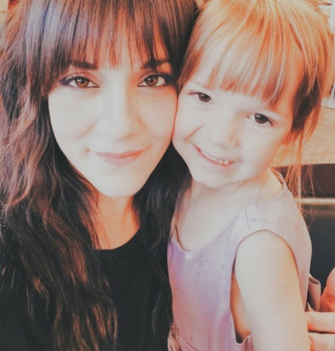 Laurin Scarpelli and her daughter