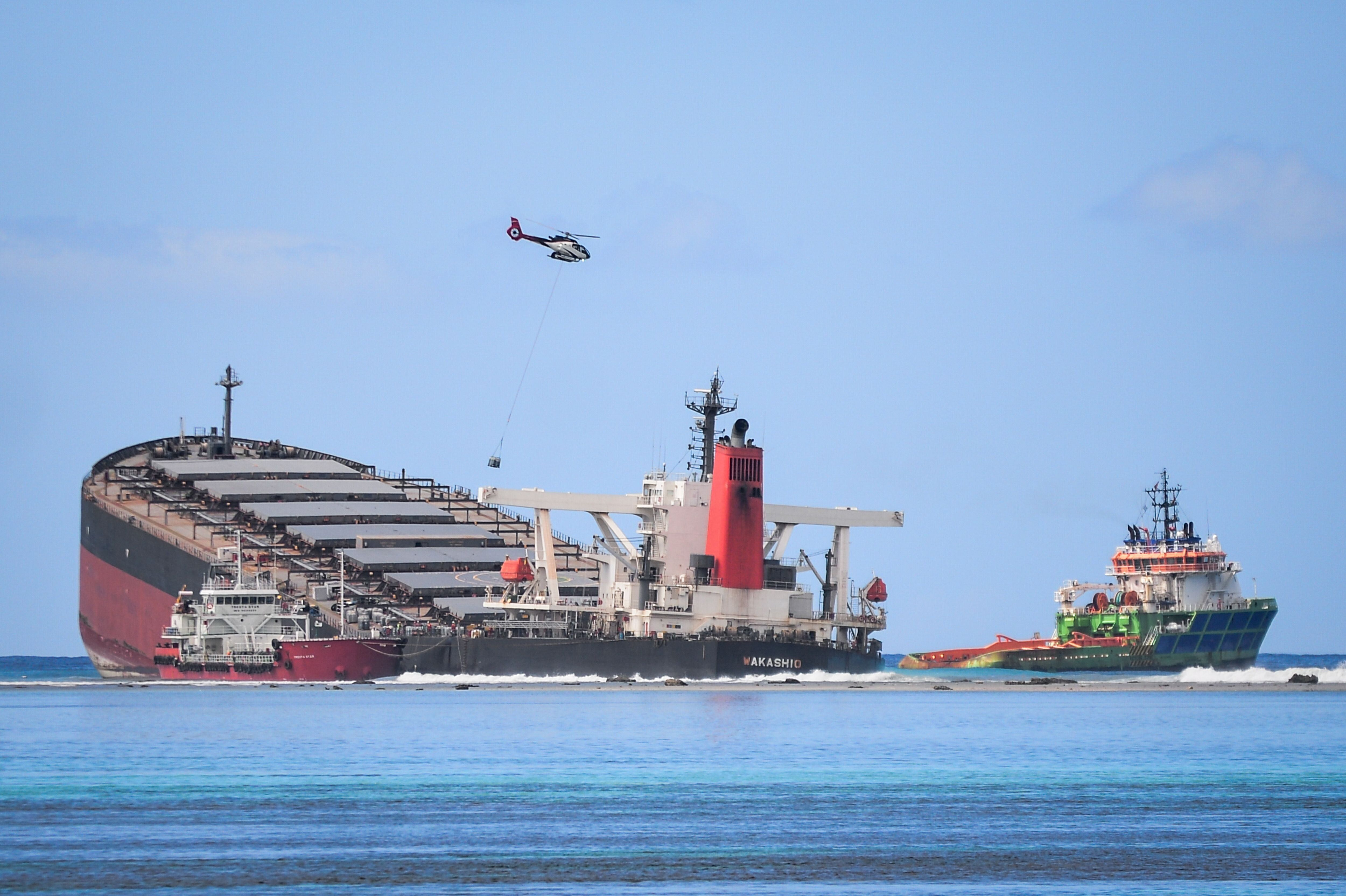 The MV Wakashio has split apart after it ran aground and caused oil leakage in southeast Mauritius.