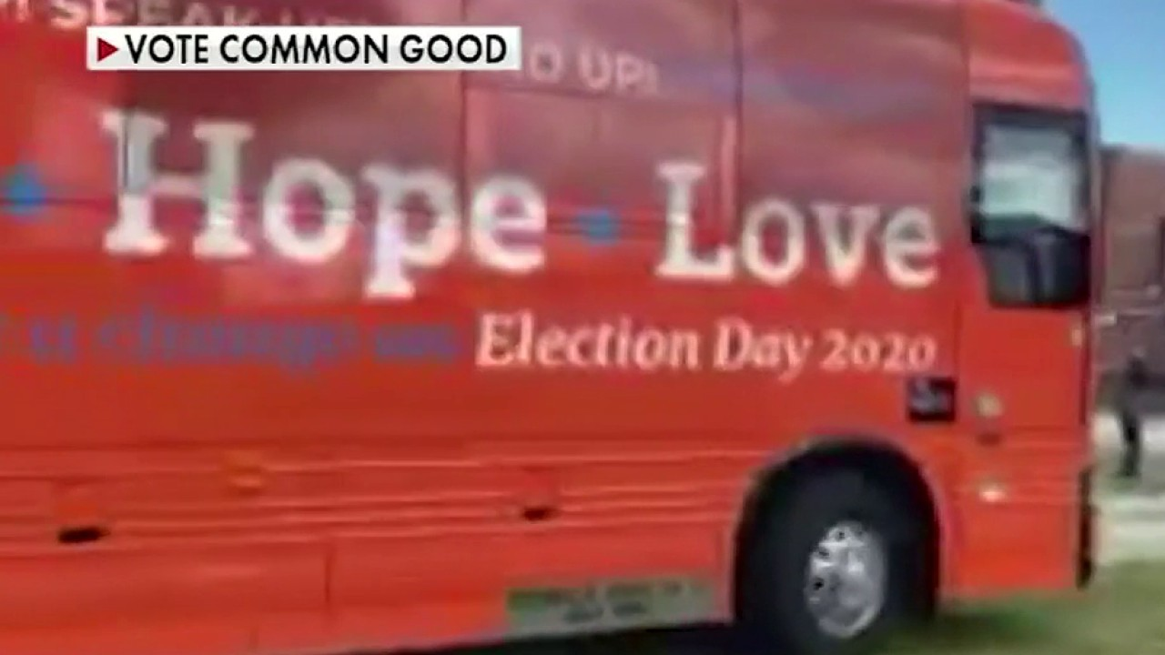 How GOP, Democrats are fighting for the evangelical vote