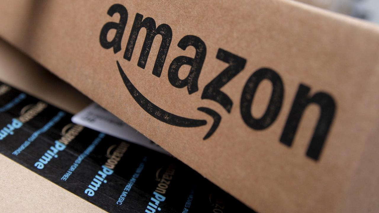 Amazon hits $1T market value