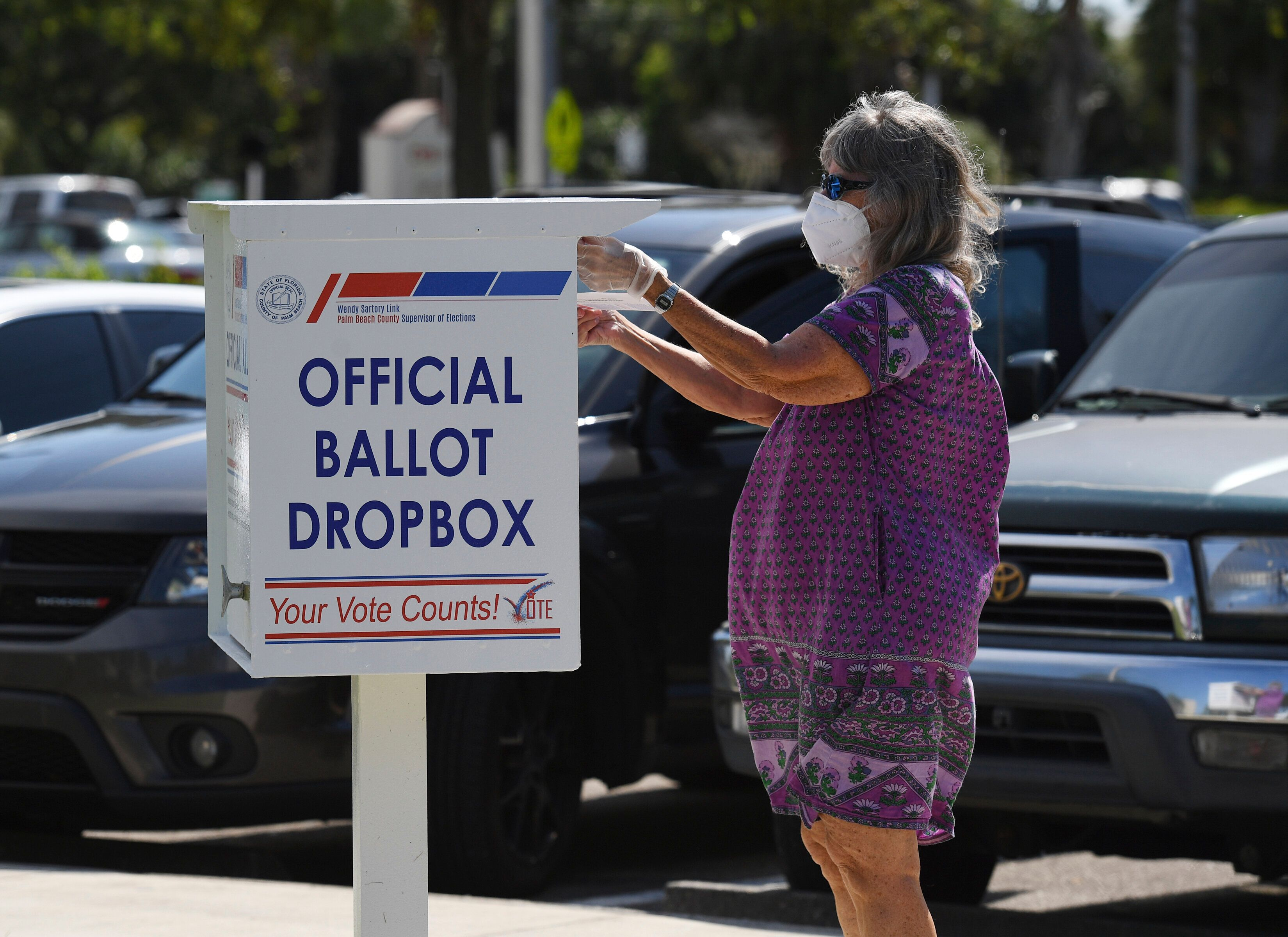 Voters may have limited time to return their mailed ballots if states only count those received on Election Day.
