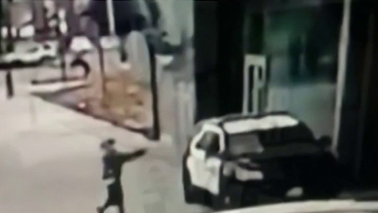 Ambushed Los Angeles deputies expected to survive