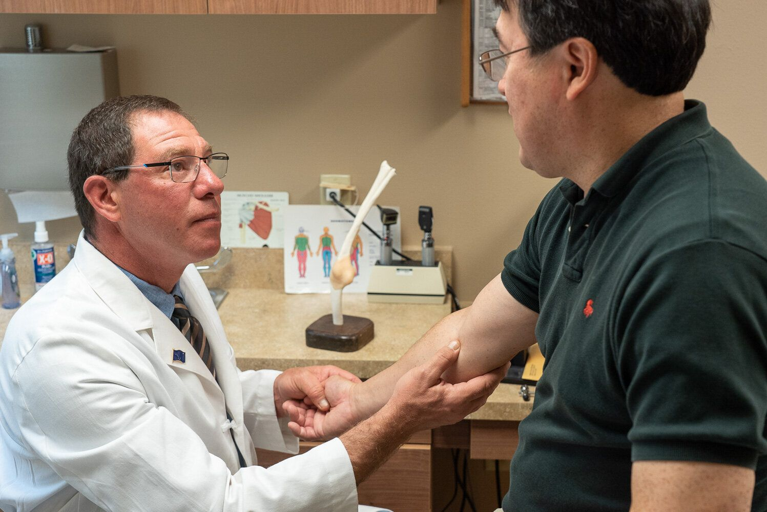 Al Gross' experience as a successful orthopedic surgeon disillusioned him with the U.S. health care system. He went on to get