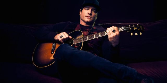 """Jerrod Niemann is releasing songs every few weeks as part of his latest """"collection,"""" """"Lost & Found."""""""