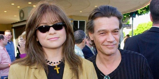 """Valerie Bertinelli, left, arrives at the premiere of the film """"America's Sweethearts"""" with husband Eddie Van Halen in Los Angeles on July 17, 2001. (Associated Press)"""