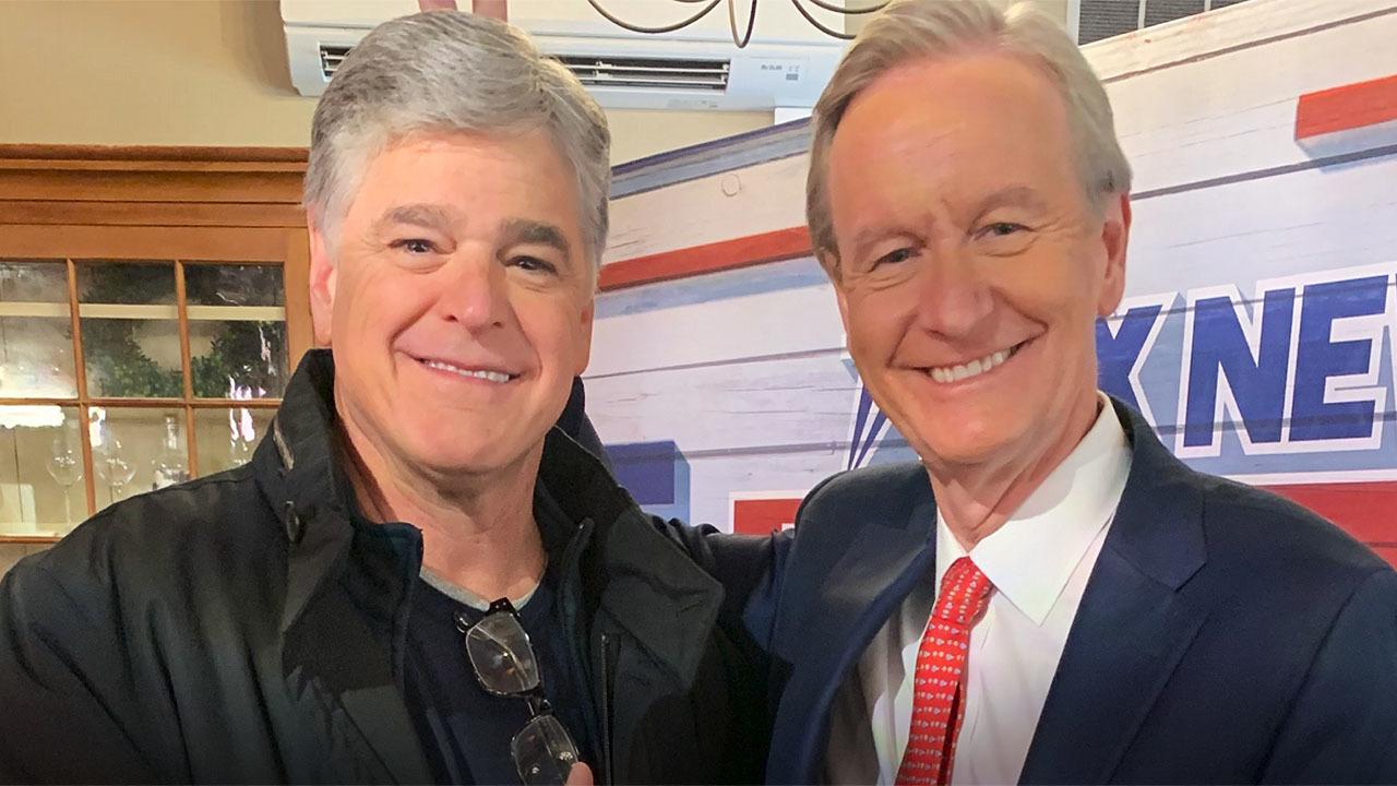 Steve Doocy makes Sean Hannity's Mac & Cheese rolls