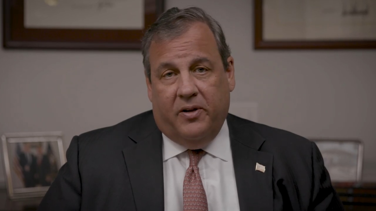 Chris Christie urges 'please, everybody wear a mask' in new PSA