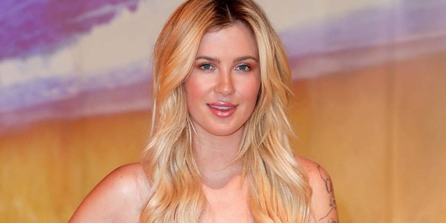 Ireland Baldwin is the daughter of actors Alec Baldwin -- who is now married to Hilaria Baldwin -- and Kim Basinger.