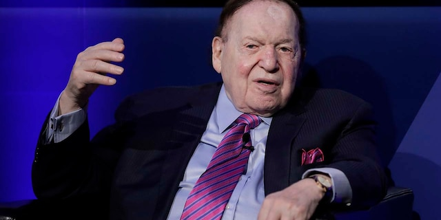 Billionaire Sheldon Adelson, chairman and chief executive officer of Las Vegas Sands Corp., speaks in Tokyo in 2017. (Photographer: Kiyoshi Ota/Bloomberg via Getty Images)