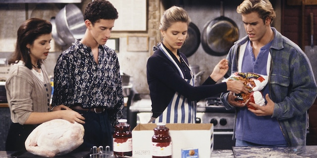 Dustin Diamond is seen as Screech Powers, Tiffani Thiessen as Kelly Kapowski, Anne Tremko as Leslie Burke and Mark-Paul Gosselaar as Zack Morris in 'Saved by the Bell: The College Years.' (Chris Haston/NBCU Photo Bank)