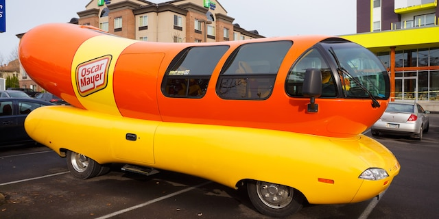 The Chicago-based company is looking for recent college graduates to take on the one-year paid job crisscrossing the country in the iconic 27-foot-long hot dog-shaped vehicle. (iStock)