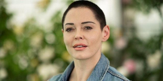 """Rose McGowan is standing byLindsey Boylan, the former deputy secretary and special adviser to<a href=""""https://www.foxnews.com/category/us/us-regions/northeast/new-york"""" target=""""_blank"""">New York</a>Gov. <a href=""""https://www.foxnews.com/category/person/andrew-cuomo"""" target=""""_blank"""">Andrew Cuomo</a> who accused him of sexual harassment."""