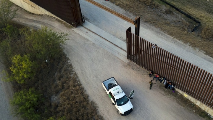 Biden's DHS chief fires Homeland Security Advisory members amid border crisis
