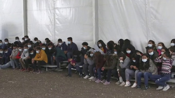 Border facilities struggle to keep up with incoming migrants