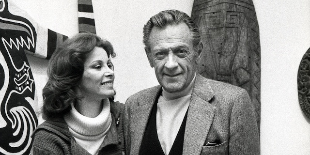 Stefanie Powers with William Holden.