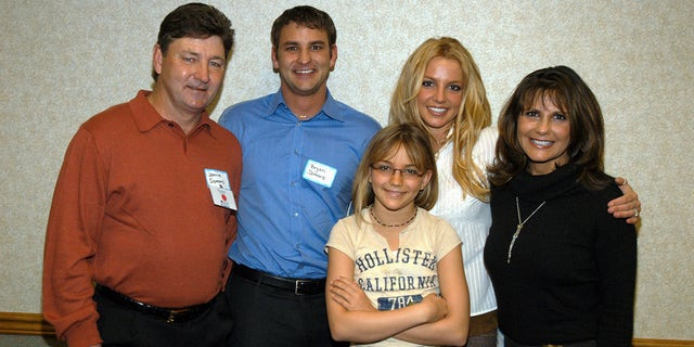 The Spears family in 2003 (from left): Jamie Spears, Bryan Spears, Jamie Lynn Spears, Britney Spears and Lynne Spears (Photo by Kevin Mazur/WireImage)