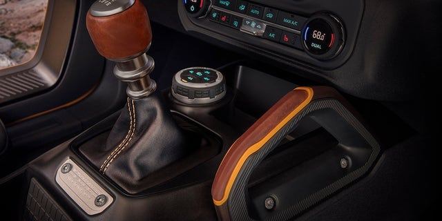 The Bronco's 7-speed transmission includes a unique crawler gear.