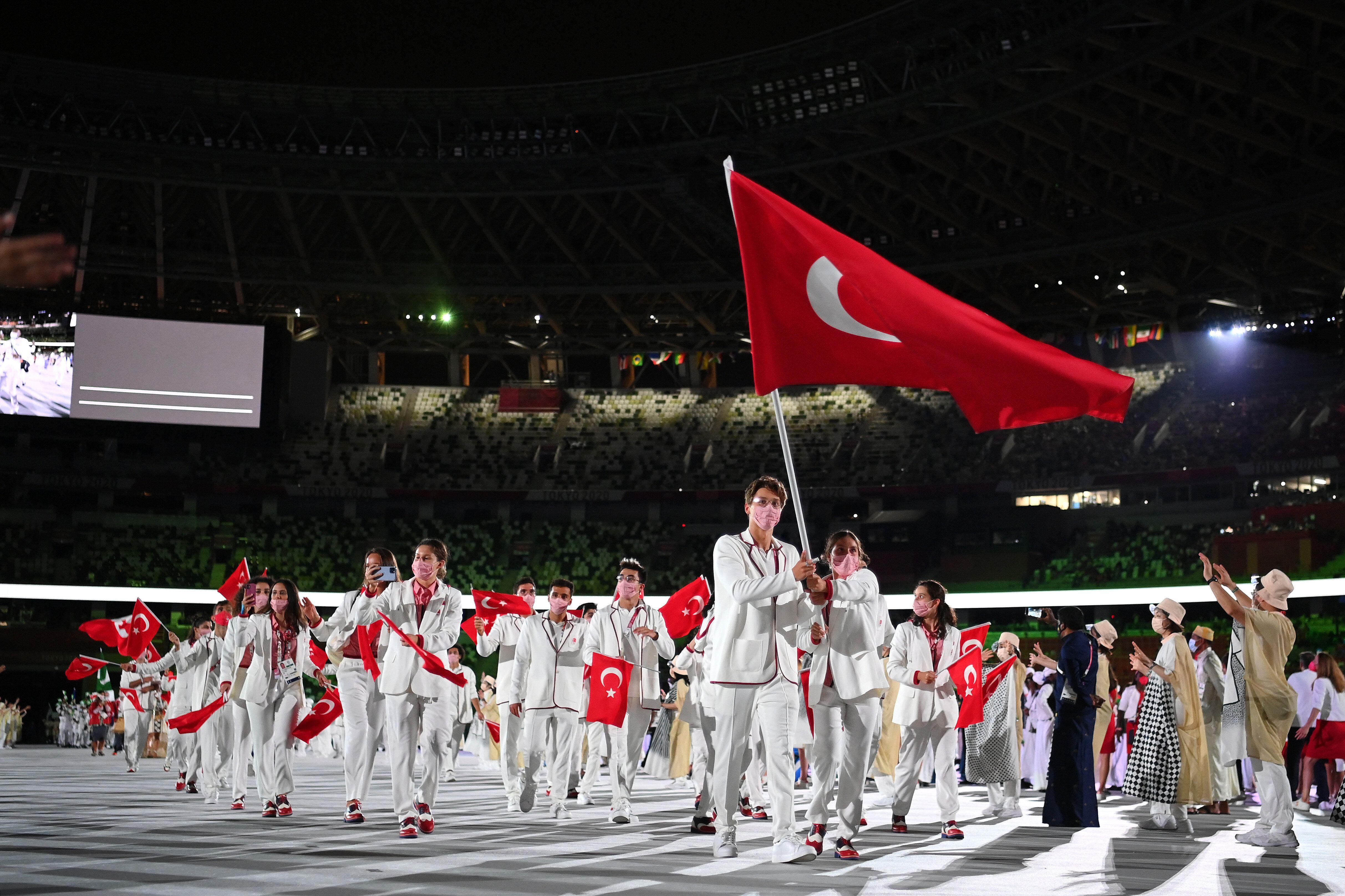 Team Turkey flag bearers Merve Tuncel and Berke Saka.