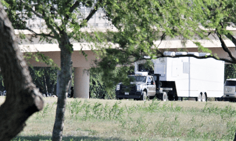Del Rio Sector Border Patrol officials set up a temporary unmarked command post for the outdoor detention area. (Photo: Randy Clark/Breitbart Texas)