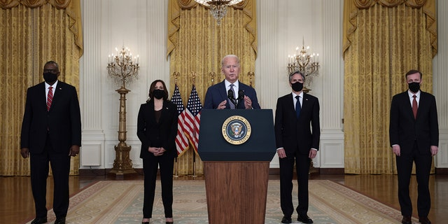 WASHINGTON, DC - AUGUST 20: U.S. President Joe Biden delivers remarks on the U.S. military's ongoing evacuation efforts in Afghanistan as he is joined by (L-R) U.S. Secretary of Defense Lloyd Austin, U.S. Vice President Kamala Harris, Secretary of State Antony Blinken, and White House National Security Advisor Jake Sullivan from the East Room of the White House on August 20, 2021 in Washington, DC. (Photo by Anna Moneymaker/Getty Images)