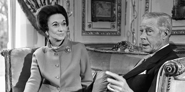 The Duchess and the Duke of Windsor interviewed in the lounge of their Parisian residence, a mansion of the wood of Boulogne.
