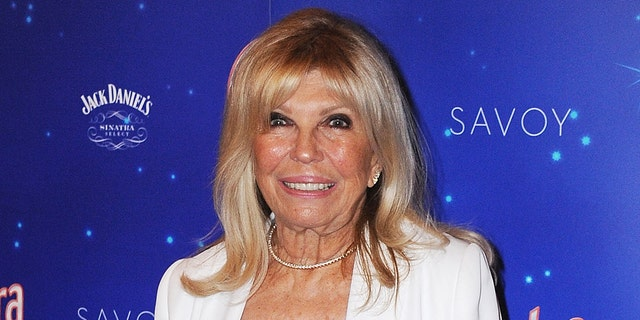 Nancy Sinatra suggested that her father, Frank Sinatra, originally came up with Bette Midler's idea.